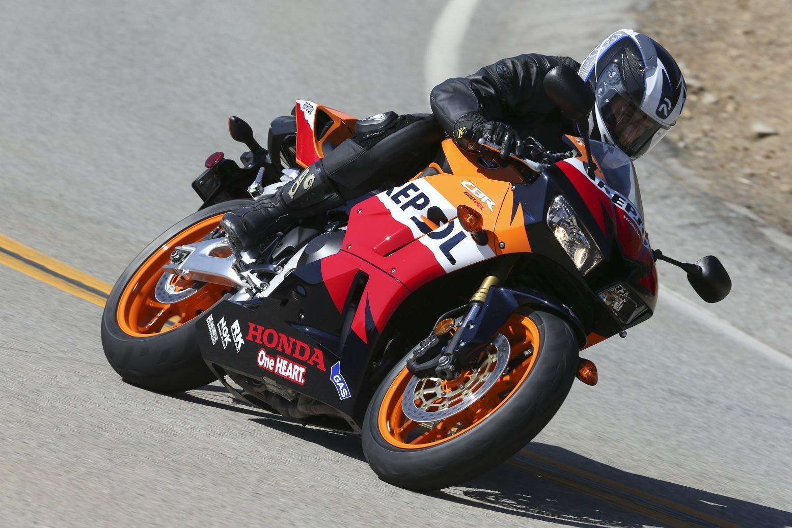 11 Defining Characteristics of a Honda Sportbike