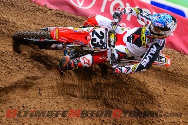 Wil-Hahn-Injured-AMA-Supercross-St-Louis-2014