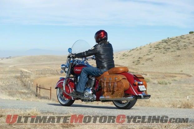 2014-harley-road-king-vs-indian-chief-bagger 7
