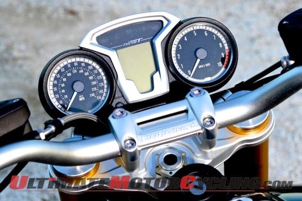 2014-BMW-R-nineT-instrumentation