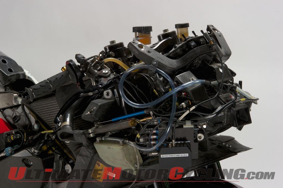 UMC Exclusive: Valentino Rossi's Ducati GP11 - Naked