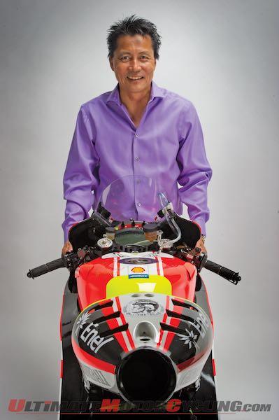L'homme qui a acheté la Ducati motogp de Rossi ! 2015-the-man-who-bought-rossi-motogp-ducati-gp11-1