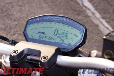 2015 Ducati Monster 821 Review | Performance Bump gauges