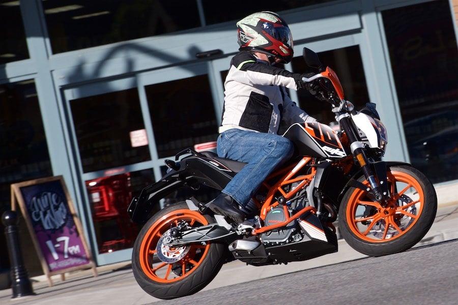 Ktm Dual Sport >> 2016 KTM 390 Duke Review | Mayor of Urban Motorcycling