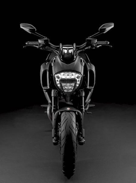 2016 Ducati Diavel front