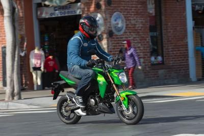 2017 Kawasaki Z125 Pro Test | 'For the Fun of It'