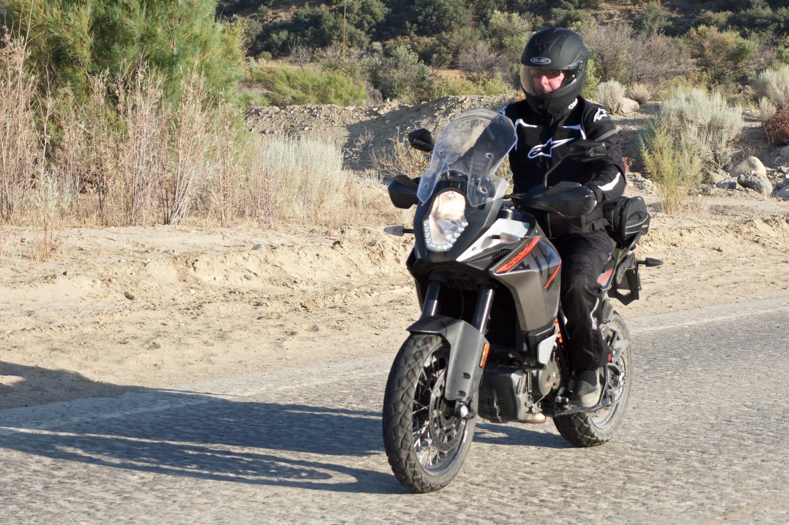 Honda Africa Twin Dct Vs Ktm 1190 Adventure Comparison