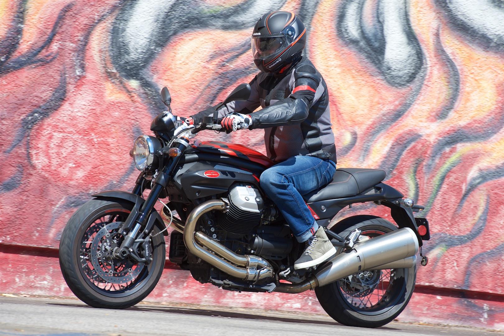 2016 moto guzzi griso 8v se review | sportbike, cruiser or urban?