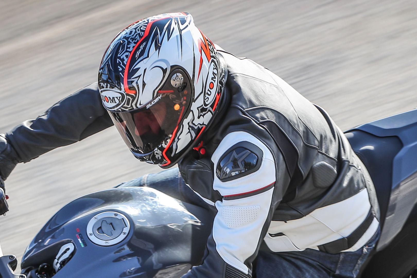 Suomy SR Sport Motorcycle Helmet Review