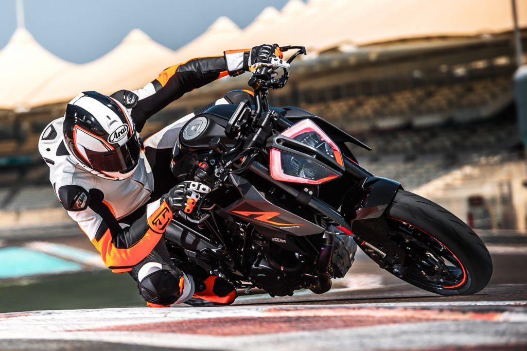 2017 KTM 1290 Super Duke R Preview