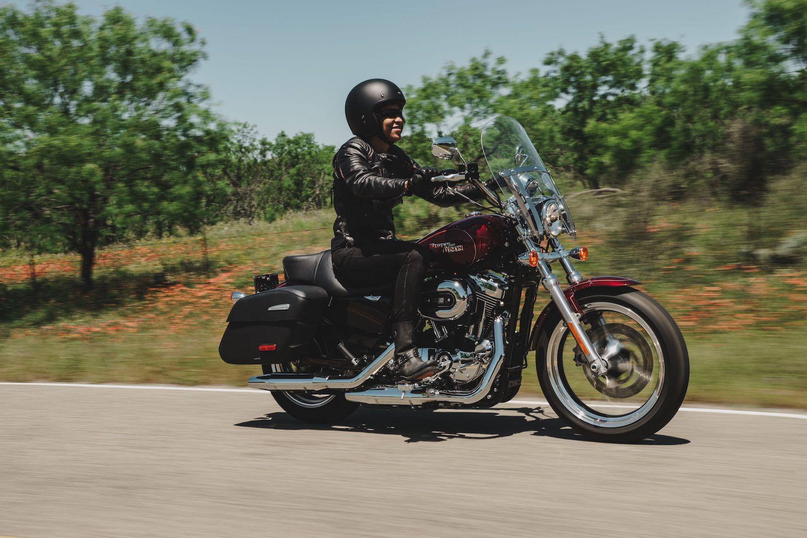 2017 Harley-Davidson Sportster SuperLow 1200T Buyer's Guide | Specs ...
