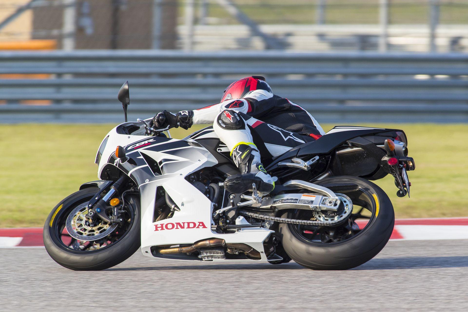 Dunlop Sportmax Q3 Plus at COTA 1