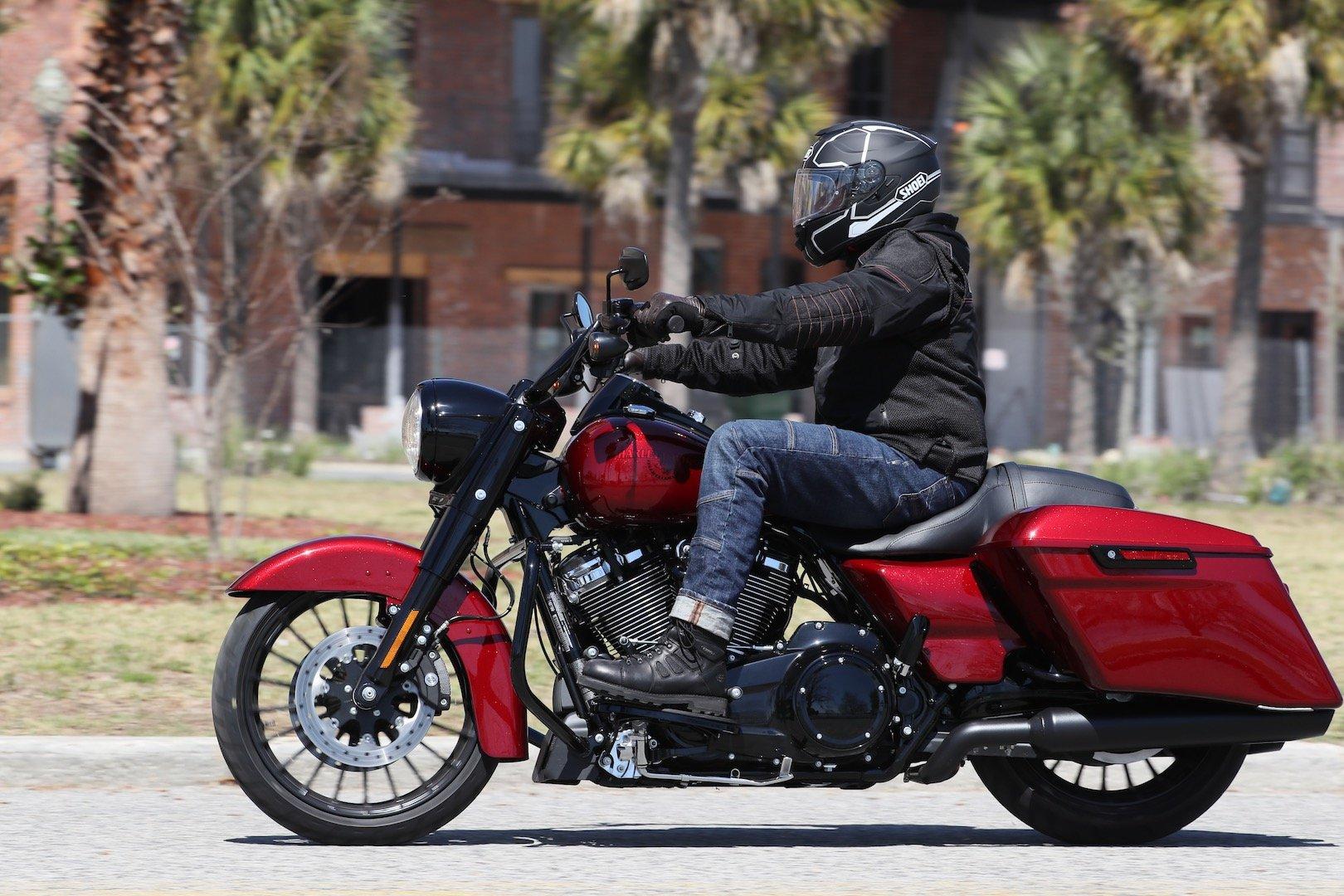 2017 Harley-Davidson Road King Special Review | Bike Week Test