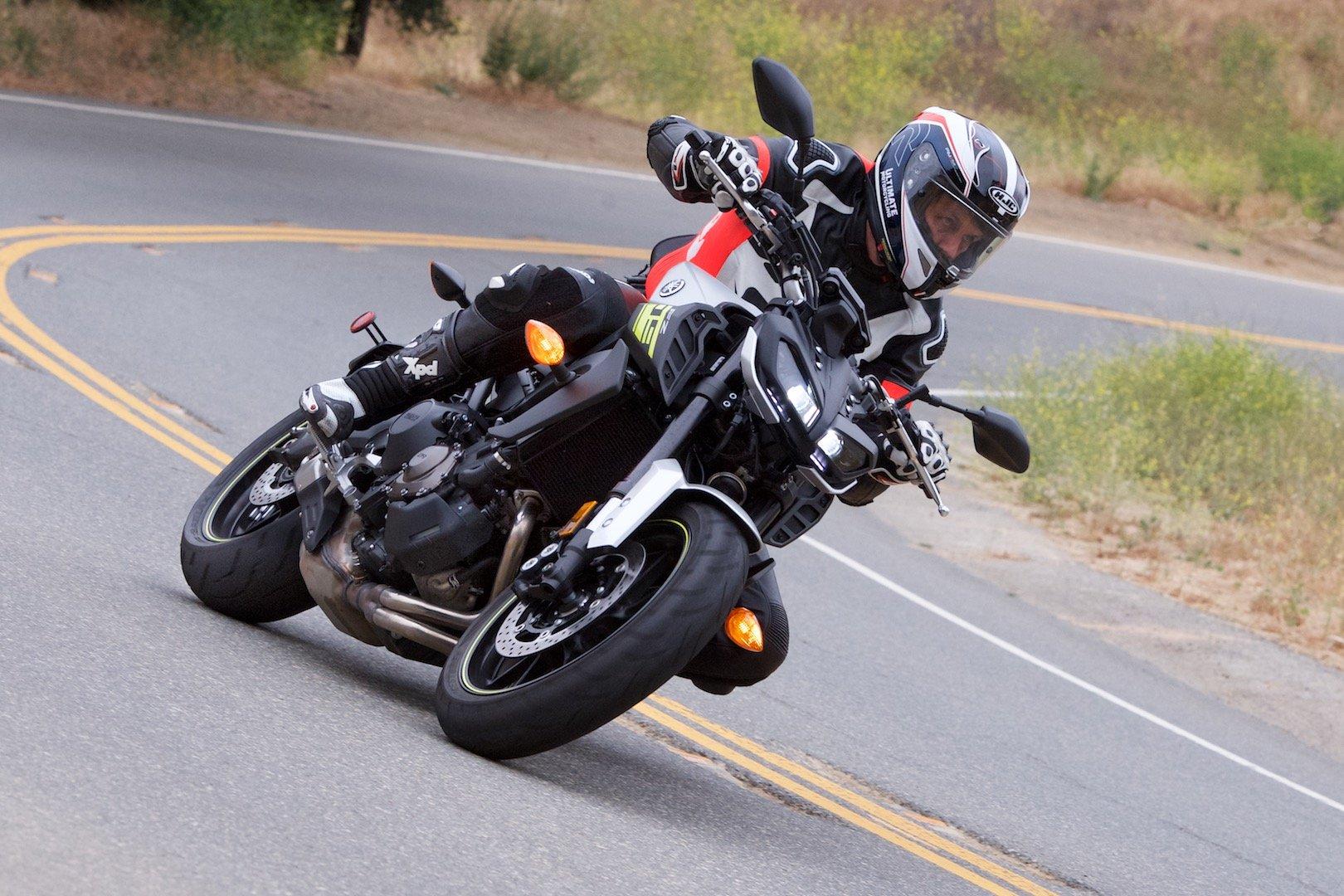 2017 Yamaha FZ-09 top speed