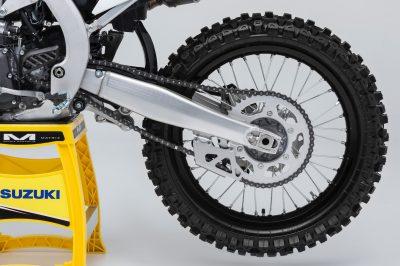 2018 Suzuki RM-Z450 tires