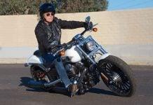 2017 Harley-Davidson Softail Breakout lean angle