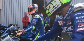 Alex Rins and Andrea Iannone on Suzuki GSX-R125 at Silverstone MotoGP