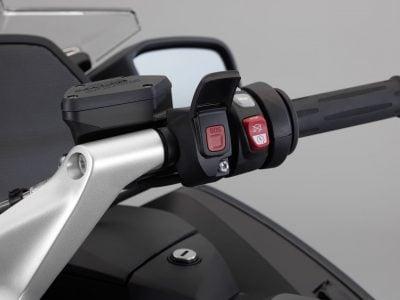 2018 BMW R 1200 RT controls