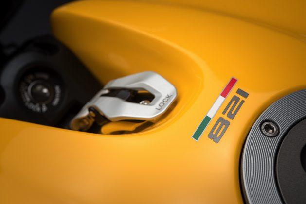 2018 Ducati Monster 821 gas tank