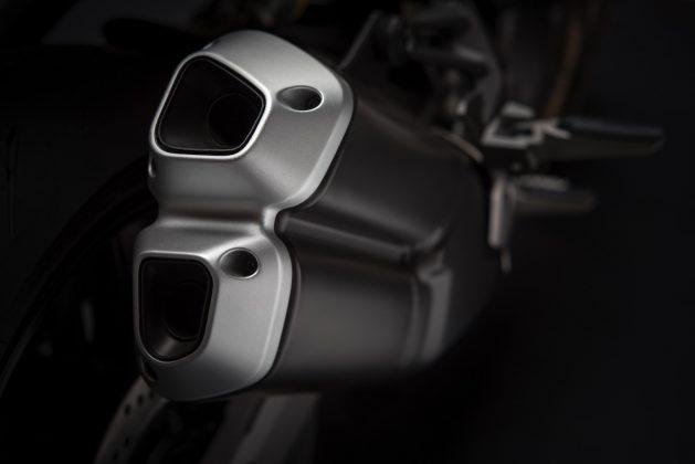 2018 Ducati Monster 821 exhaust