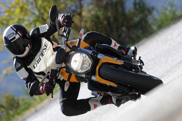 2018 Ducati Monster 821 headlight