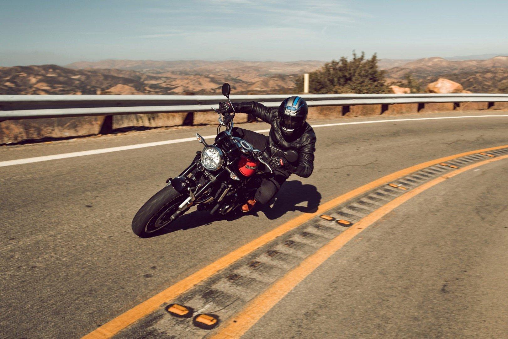 2018 Kawasaki Z900RS Review | 15 Fast Facts
