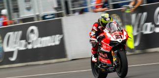 Troy Bayliss in 2015 World Superbike aboard 1199 R