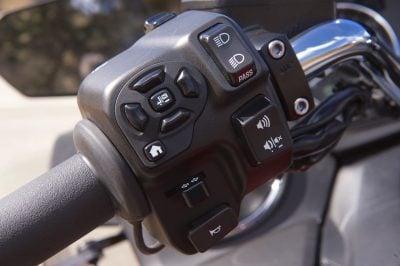 2018 Yamaha Star Venture left controls