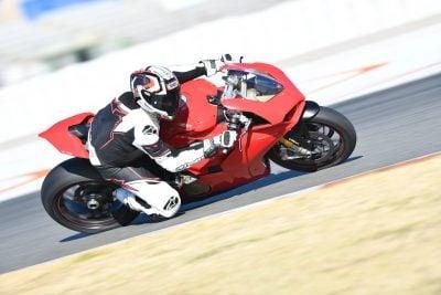 Ducati Panigale V4 handling