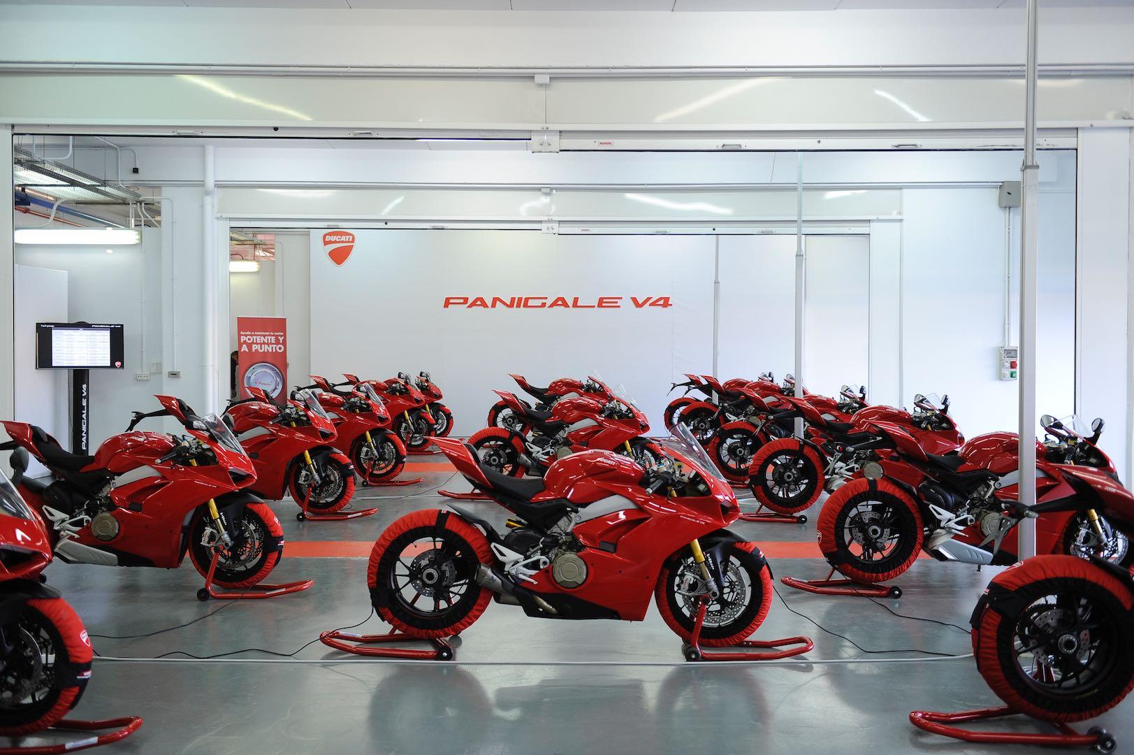 Ducati Panigale V4 Valencia Garage