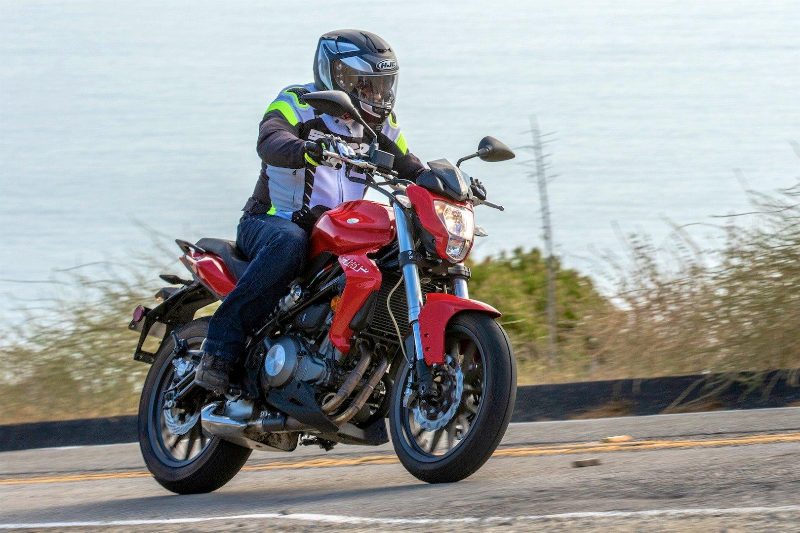 2019 Benelli Tornado TNT 300 Review - beginner motorcycle
