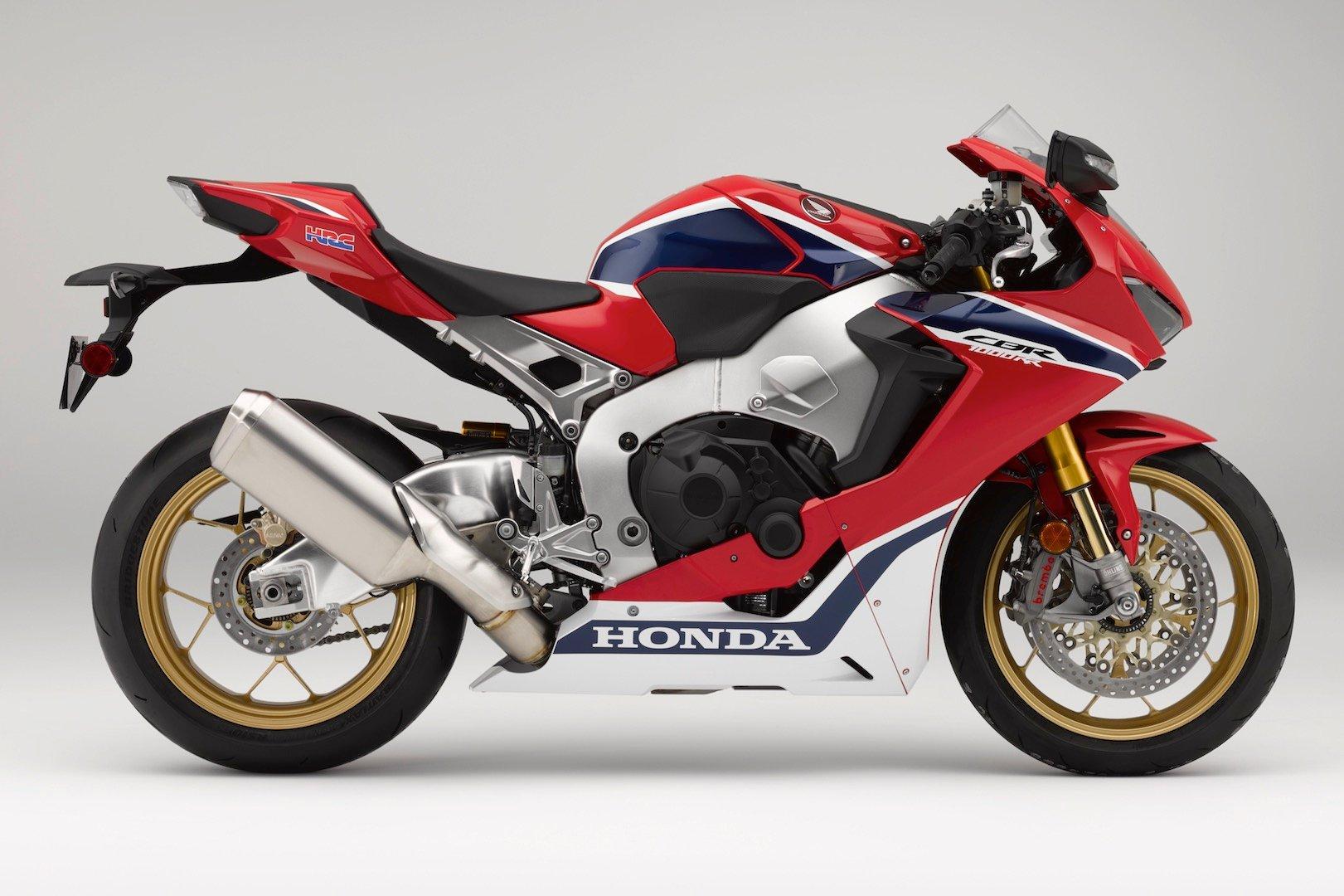 2018 Honda CBR1000RR SP vs. 2018 Kawasaki Ninja ZX-10R Superbike Comparison - right side CBR1000RR
