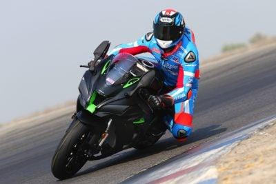 2018 Honda CBR1000RR SP vs. 2018 Kawasaki Ninja ZX-10R Superbike Comparison - Gilbert Kawasaki
