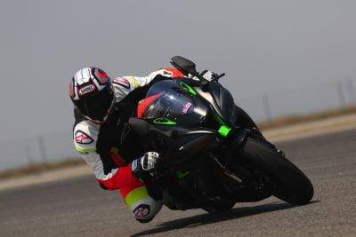 2018 Honda CBR1000RR SP vs. 2018 Kawasaki Ninja ZX-10R Superbike Comparison - Nic Kawasaki