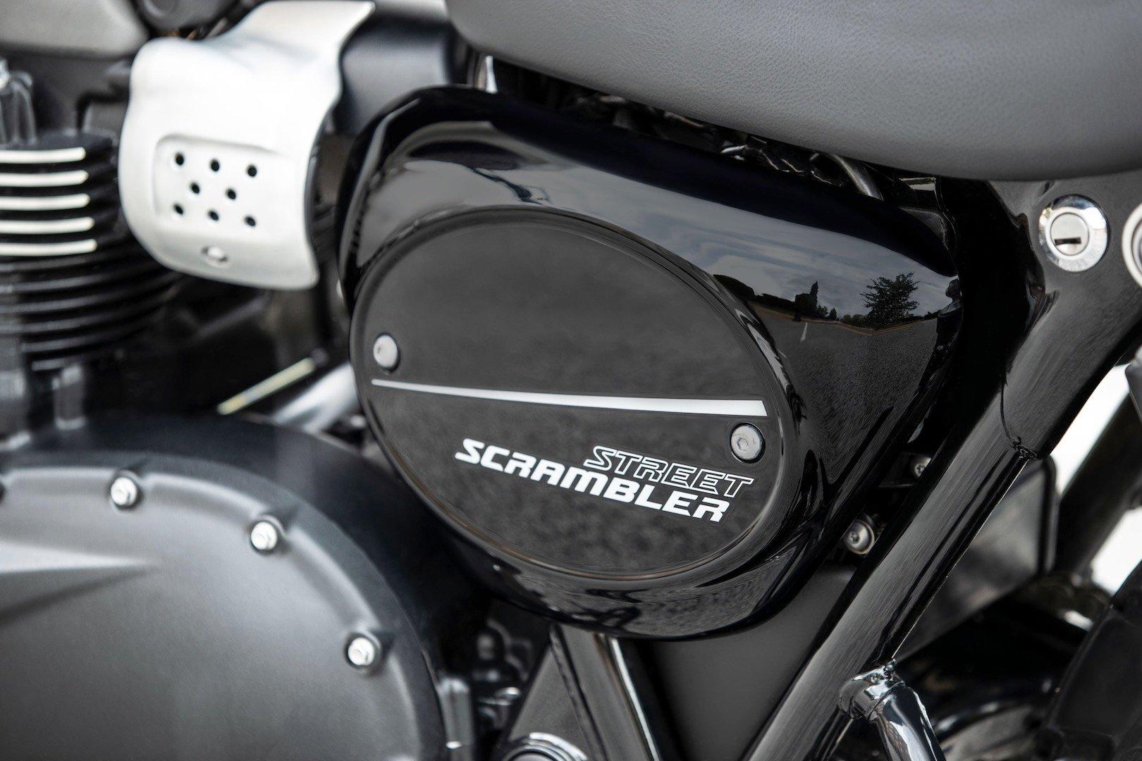 2019 Triumph Street Scrambler First Look number plate