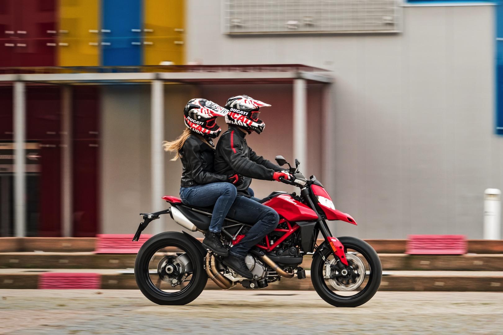 2019 Ducati Hypermotard 950 base