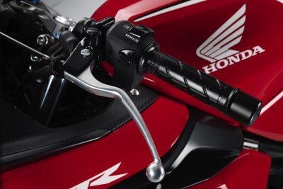 2019 Honda CBR500R left clutch