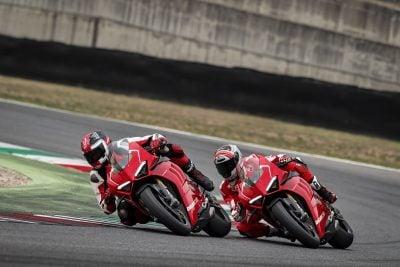 2019 Ducati Panigale V4 R racing