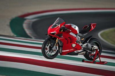 2019 Ducati Panigale V4 R track ride