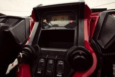 2019 Honda Talon 1000S and Talon 1000R Review - dash