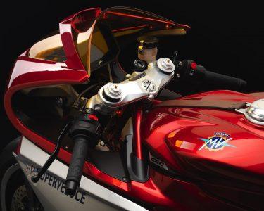 MV Agusta Superveloce 800 Wins Concorso - Cockpit