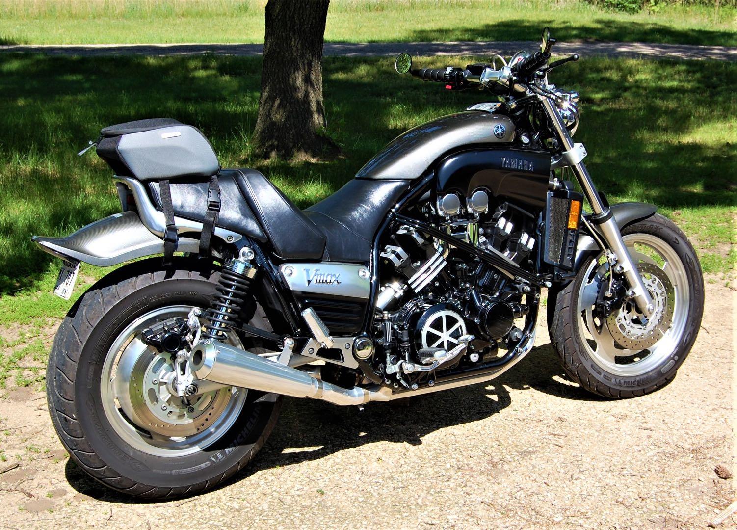 v-max horsepower 2002