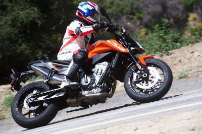 2019 KTM 790 Duke Test