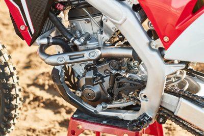 2020 Honda CRF250R Review - left side motor
