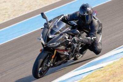 2020 Triumph Daytona Moto2 765 Limited Edition - on track