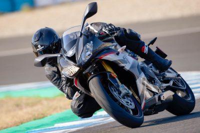 2020 Triumph Daytona Moto2 765 Limited Edition - in action