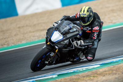 2020 Yamaha YZF-R1M Test