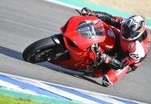 2020 Ducati Panigale V2 Review - Jerez